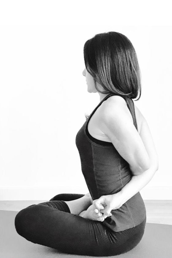 Spine Hatha Yoga Teacher Angela Saarvedra Centro Semilla Valencia